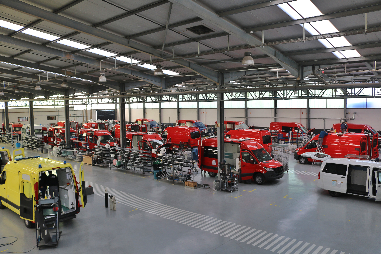 transformation vehicule into ambulance